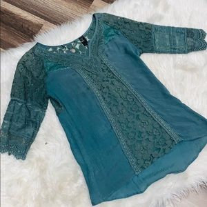 Women's Small Green Buckle Blouse